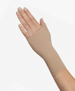 juzo-basic-compression-gauntlet-with-thumb-stub